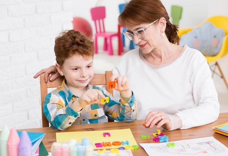 為自閉症兒童提供早期訓練應注意什麼?